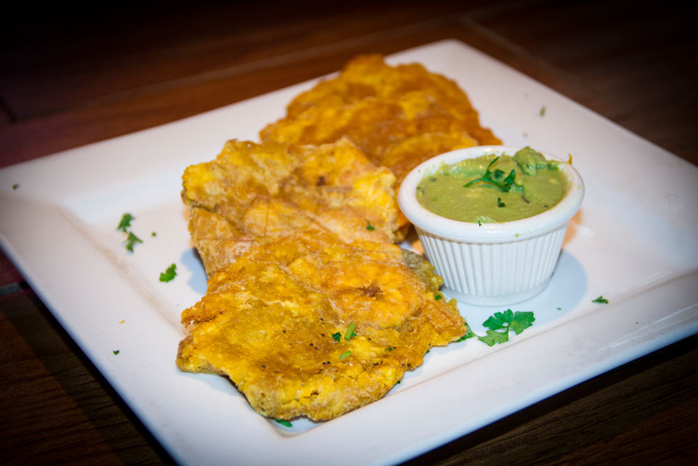 fried-green-plantains-with-guacamole-al-carbon-best-burger-33145